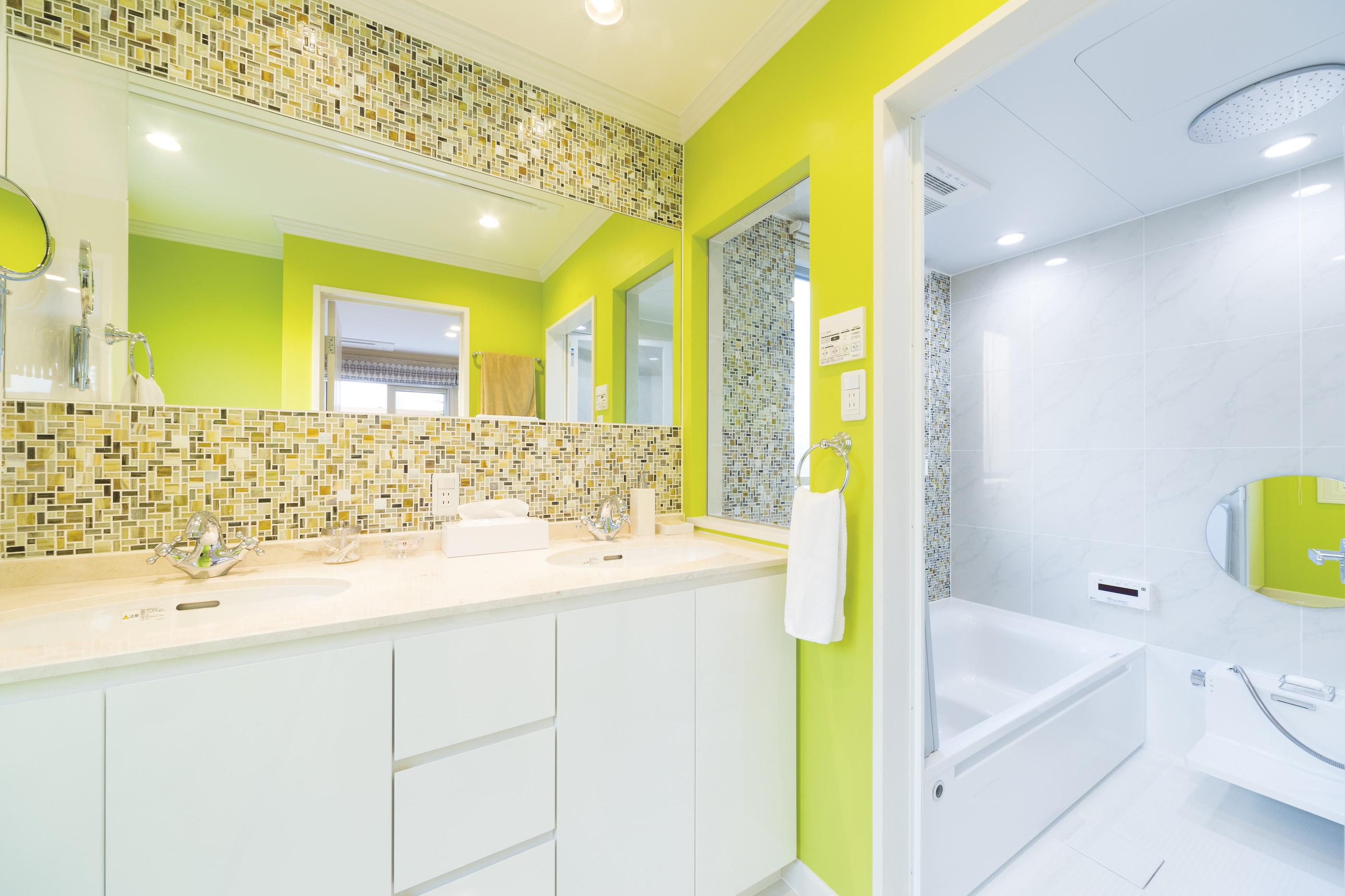 洗面室と繋がりのある浴室